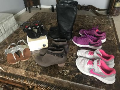Girl shoes size 2