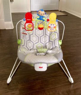 Fisher-Price Bouncer with Removable Toy Bar