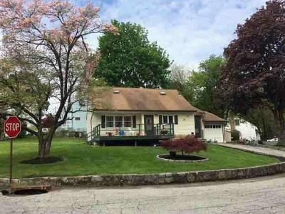 4 Bed 1 Bath Foreclosure Property in Peekskill, NY 10566 - Lockwood Dr