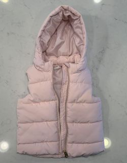 H&M hooded puffer vest. Size 12-18 months.