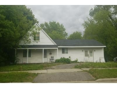 1 Bath Preforeclosure Property in Southfield, MI 48076 - Stuart Ave
