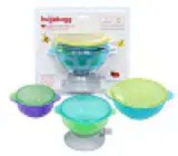 Hugabowls vacuum cup feeding system