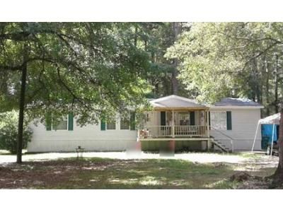 3 Bed 2 Bath Foreclosure Property in Denham Springs, LA 70726 - Stewart Dr