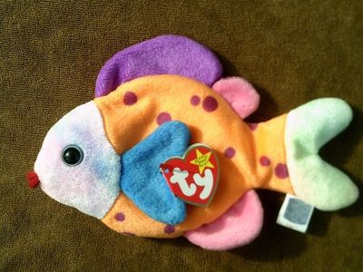 """RETIRED RARE TY Beanie Babies """" Lips """" With 2 Errors,"""