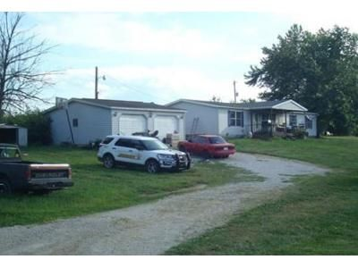 3 Bed 2 Bath Foreclosure Property in Mitchell, IN 47446 - Gun Club Rd