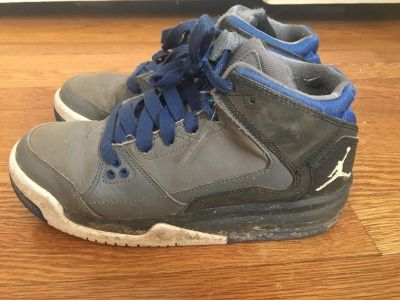 Boys Jordan basketball shoes size 4.5 youth well loved condition