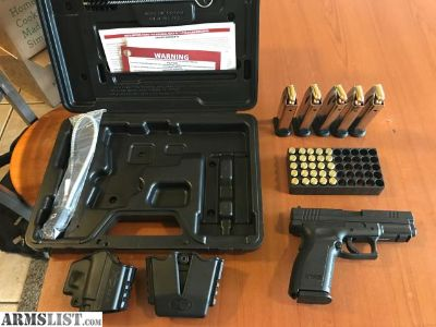 For Sale: Springfield XD .40 6 Magazines
