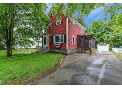 53 Pleasant St MEDFIELD Two BR, Rare walk to town Antique