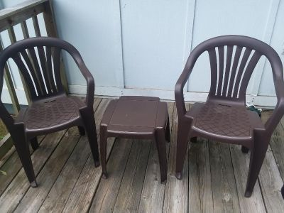 2 chairs and small table
