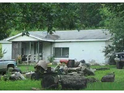 3 Bed 1 Bath Foreclosure Property in Mill Run, PA 15464 - Maple Summit Rd