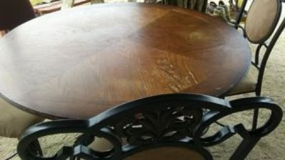 nice wood 3 chair table set