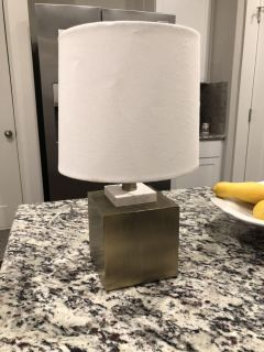 Lamp gold tone and marble ppu spring hill