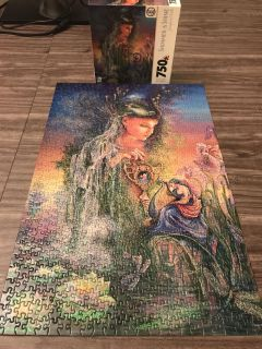 Beautiful 750 piece puzzle with glitter
