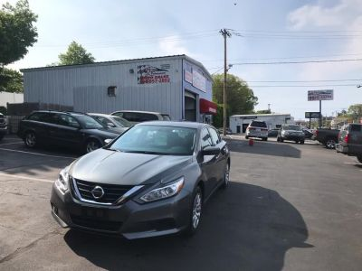 2018 Nissan Altima 2.5 SR Sedan (Gray)