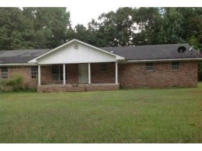 3 Bed 2.5 Bath Foreclosure Property in Grayson, LA 71435 - E Hwy 126