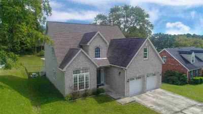 5820 Swanson Drive Ashland, This gorgeous ONE FLOOR PLAN