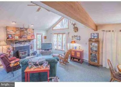 53 Bender Rd Gouldsboro Three BR, Immaculate Pocono vacation home
