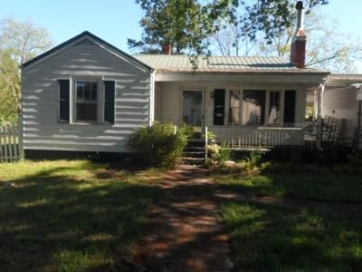 2 Bed 1 Bath Foreclosure Property in Anderson, SC 29621 - Belhaven Rd