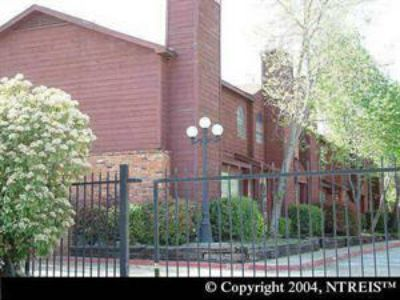 $800, 2br, Nice 2 bed, 1.5 bath Townhome $800month