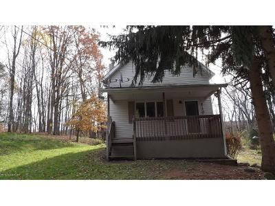 2 Bed 1.5 Bath Foreclosure Property in Clarks Summit, PA 18411 - Griffin Pond Rd