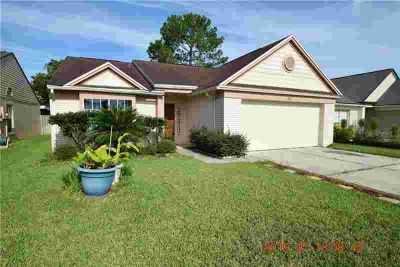 Three BR, Spacious Lake Mary Single Family Home Located in the