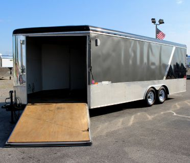 2016 25' United Trade In Enclosed Trailer
