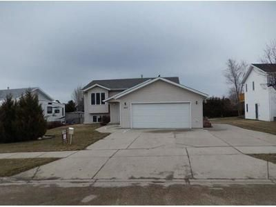 2 Bed 1 Bath Foreclosure Property in Bismarck, ND 58503 - Lambton Ave
