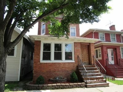 4 Bed 2 Bath Foreclosure Property in Oak Park, IL 60304 - S Scoville Ave