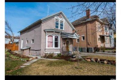 3 bedrooms House - Charming classic Victorian. Washer/Dryer Hookups!
