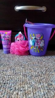 Brand new loofah and body wash set