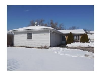 Foreclosure - E Stevenson Dr, Glendale Heights IL 60139