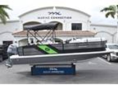 2019 Hurricane FunDeck FD 236 Wet Bar OB