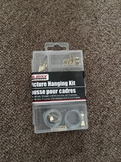 Picture hanging kit, new