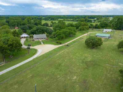 4504 West Fork Circle Wharton Three BR, Spectacular 19.7 acre