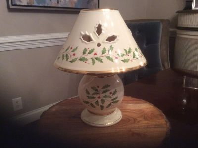 Holiday candle lamp