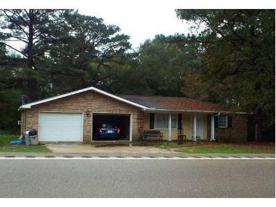 3 Bed 2 Bath Foreclosure Property in Richton, MS 39476 - Highway 42