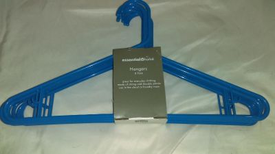 8 Pack of Essential Home Plastic Hangers