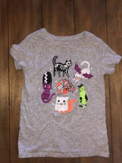 Comfy soft and gray Halloween cat shirt size 5t