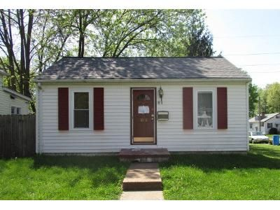 2 Bed 2 Bath Foreclosure Property in Belleville, IL 62221 - N Church St