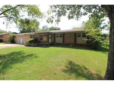 3 Bed 1.5 Bath Foreclosure Property in Huntsville, AL 35811 - Merry Oaks Dr NW