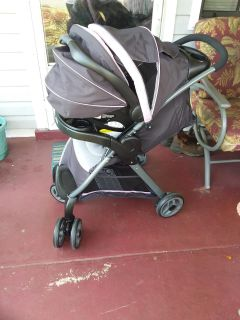 Graco click connect stroller and carseat combo