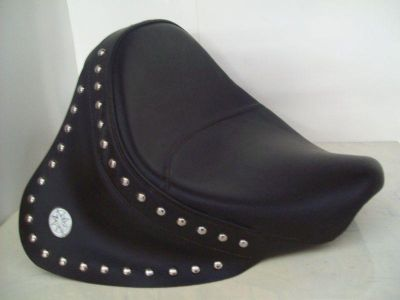 Purchase Genuine Yamaha Studded Solo Seat with Skirt for a V Star 650 motorcycle in Kansas City, Missouri, US, for US $275.00