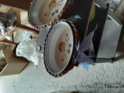 2 Dishes with Wicker Basket Set