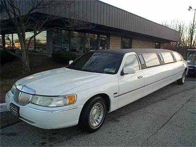 1998 Lincoln Limousine
