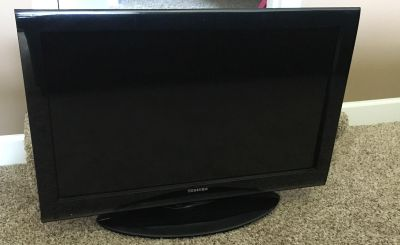 Toshiba 32 TV with Remote