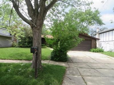 3 Bed 2 Bath Preforeclosure Property in Richton Park, IL 60471 - Lakeshore Dr