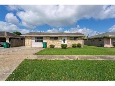 2 Bed 1 Bath Foreclosure Property in Harvey, LA 70058 - Maplewood Dr