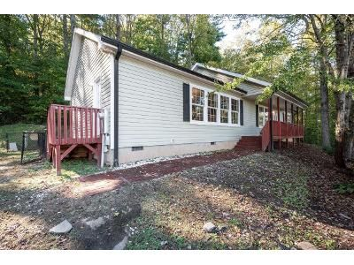 3 Bed 2 Bath Foreclosure Property in Mountain Home, NC 28758 - Wickens Drive