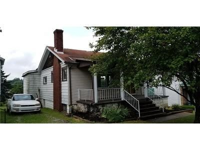 2 Bed 1 Bath Foreclosure Property in Greensburg, PA 15601 - W Newton Rd