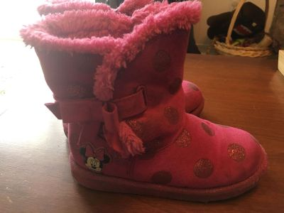 Minnie Mouse light boots (size 11)
